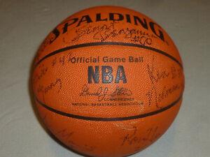 SIGNED BASKETBALL TEAM EGLIN BAYLOR DANNY MANNING RON HARPER 89-90 LA CLIPPERS >