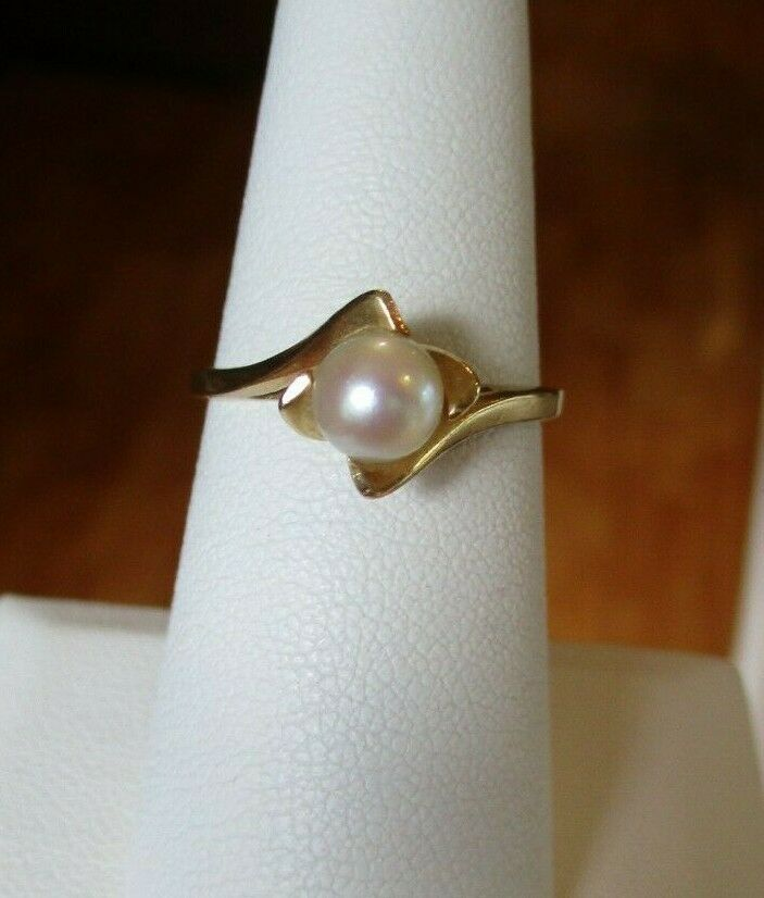 14K Yellow Gold Pearl Solitaire Ring Size 7.5 - image 2