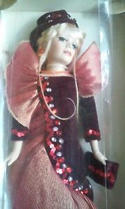 COLLECTIBLE HAND PAINTED BISQUE PORCELAIN DOLL COLLECTORS CHOICE
