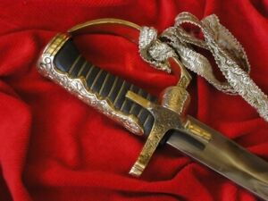 POLISH SABRE HUSSAR WITHOUT SHEATH SMOOTH WITH FINGER CIRCA 1750