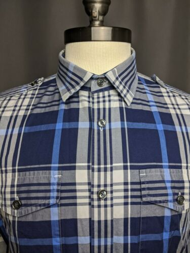 Expressens Size Medium Fitted Button Down Shirt Mu