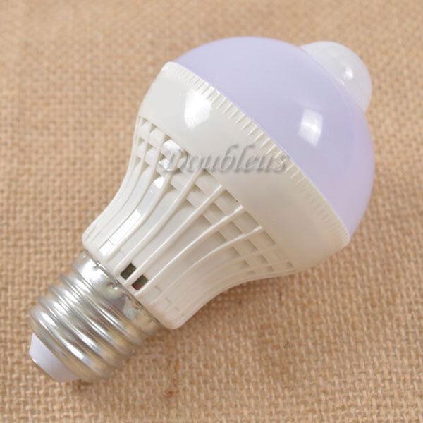 B22 E27 E14 AC 220V 18LED 5W PIR Motion Control Sensor Light Lamp Bulb Pure/Warm