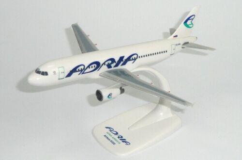 Adria Airways Slovenia Airbus A320-200 Desk Display Jet Model 1//200 AV Airplane