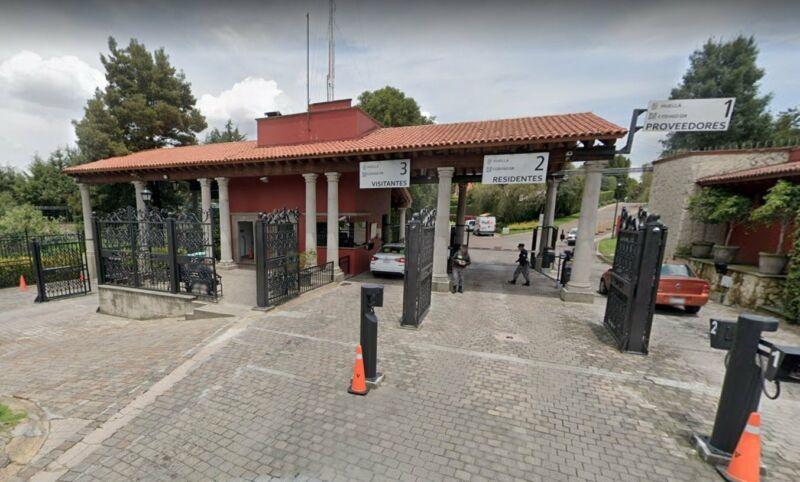 EXCELENTE CASA EN CLUB DE GOLF LOS ENCINOS EN LERMA EDO MEX  REMATE
