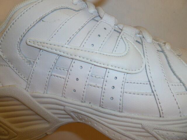 Nike Shoes White Tennis Walking Shoes Nike Unisex size 8 womens 8a518d