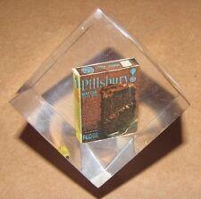 NICE ADVERTISEMENT LUCITE PAPERWEIGHT MINIATURE BOX OF PILLSBURY CAKE MIX (2401B
