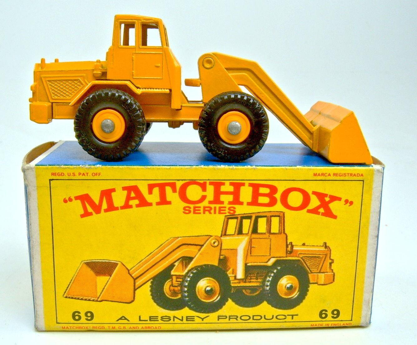Matchlåda RW 69B Hatra Tractor Shovel gul top i låda