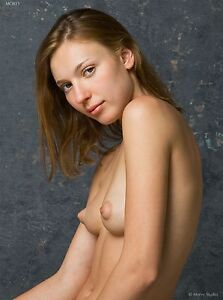 Fine Art Nude Model, Yelena 3.50, signed 8.5x11 photo by Craig Morey
