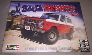 Revell-Baja-Bronco-Ford-Bronco-1-25-scale-plastic-model-car-truck-kit-new-4436