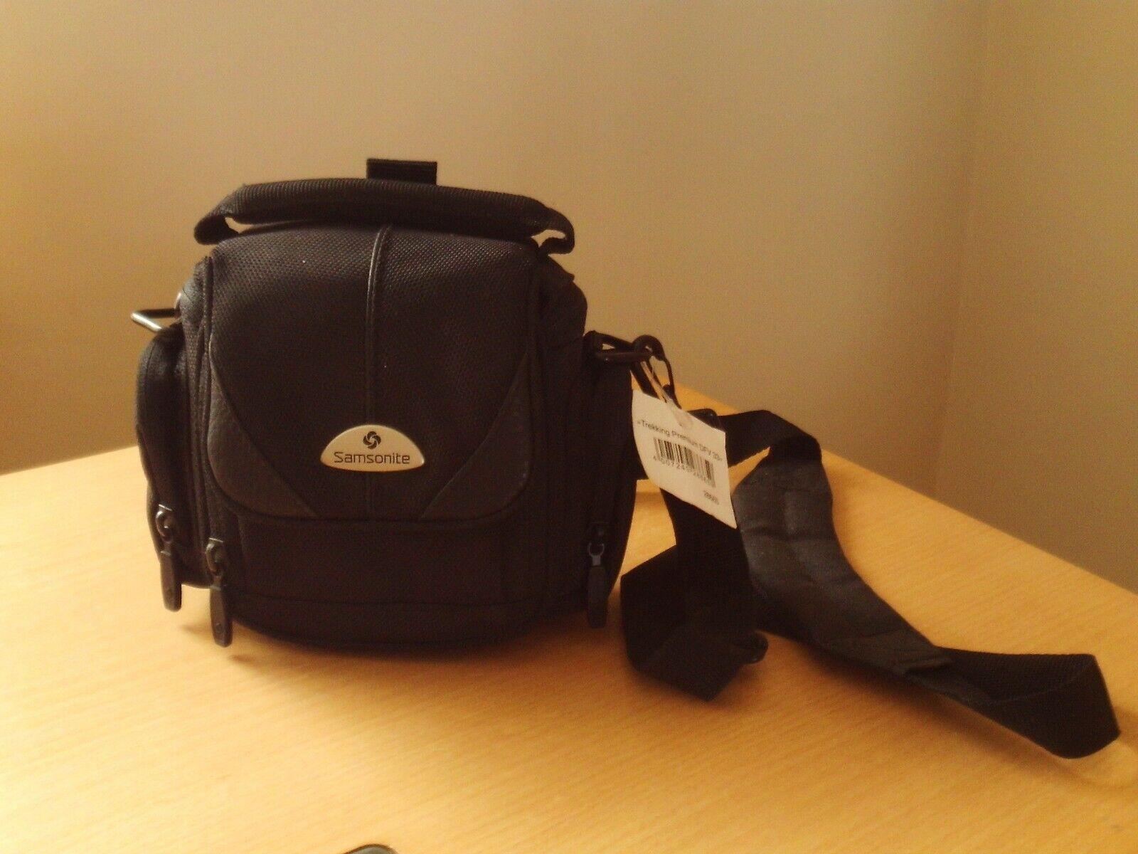 Samsonite Trekking Premium DFV 33 Camera Bag Carry Case Lots Of Zip Pockets.