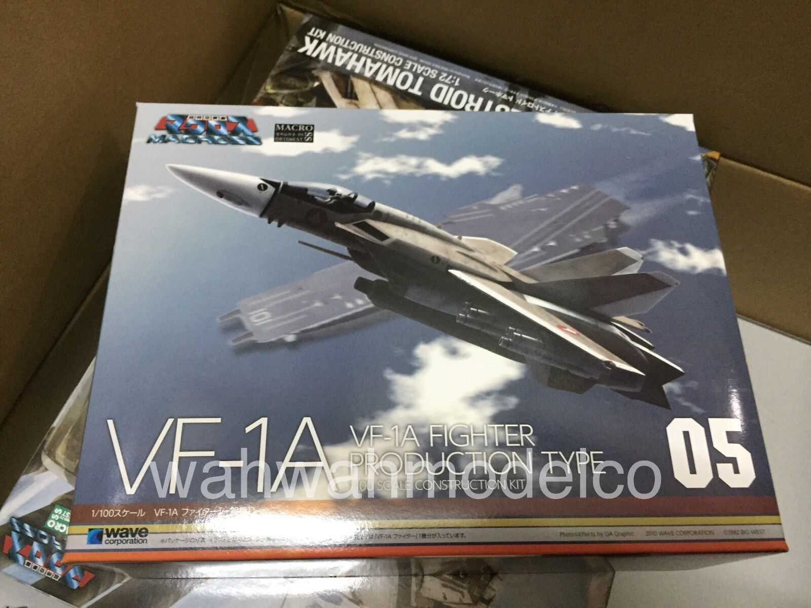 Wave Macross 05 VF-1A Fighter Production Type Scale 1 100 Construction Kit