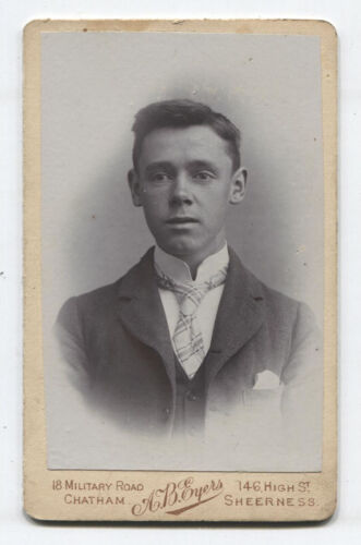 CDV EARNEST LOOKING YOUNG MAN WITH A HIGH COLLAR. SHEERNESS, ENGLAND.