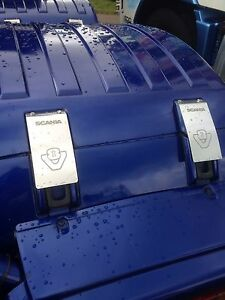 V8-Scania-stainless-steel-strap-covers-pk-4-Etched-logo-Inc-Fixings