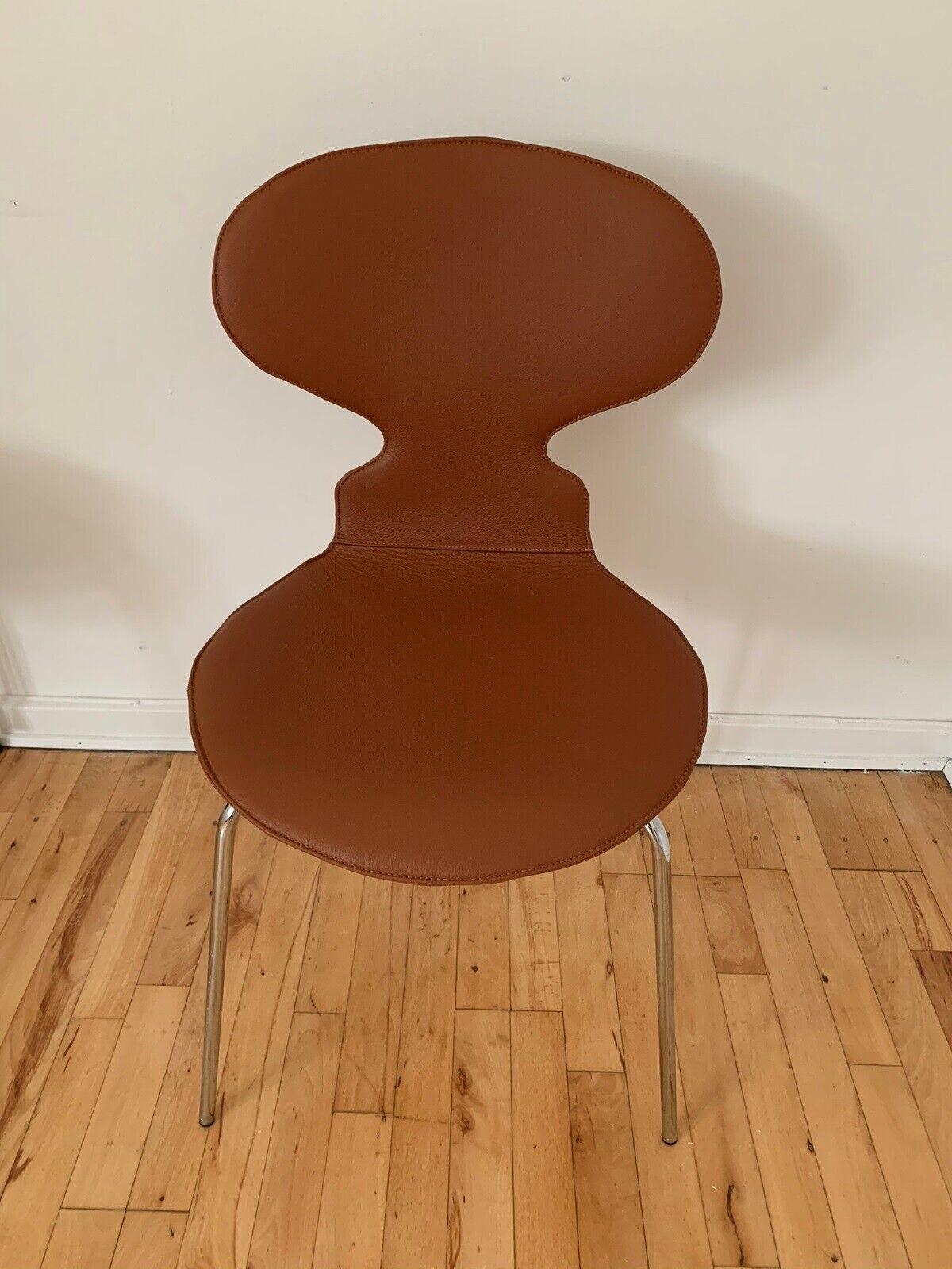 Arne Jacobsen, 3101 med fast ryg og