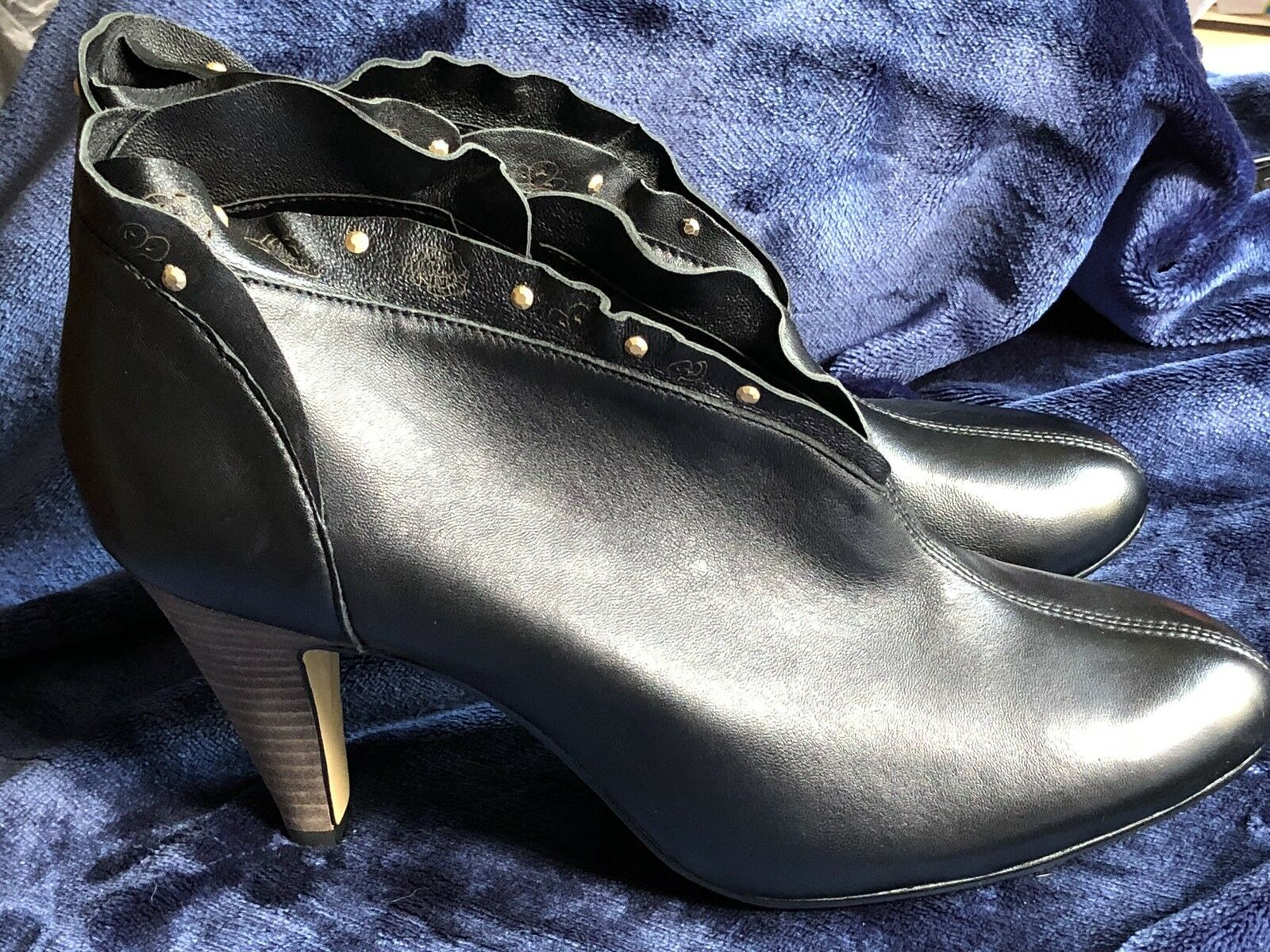 BELLA VITA BLACK NALA BLACK VITA LEATHER BOOTIES - NWOB- PRETTY NEW BOOTS! 4950b3