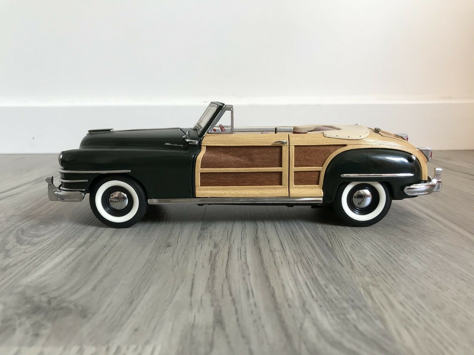 Fuxi double à acheter! Chrysler Town and and and Country 1948 1/24e Franklin Mint Précision | Authentique