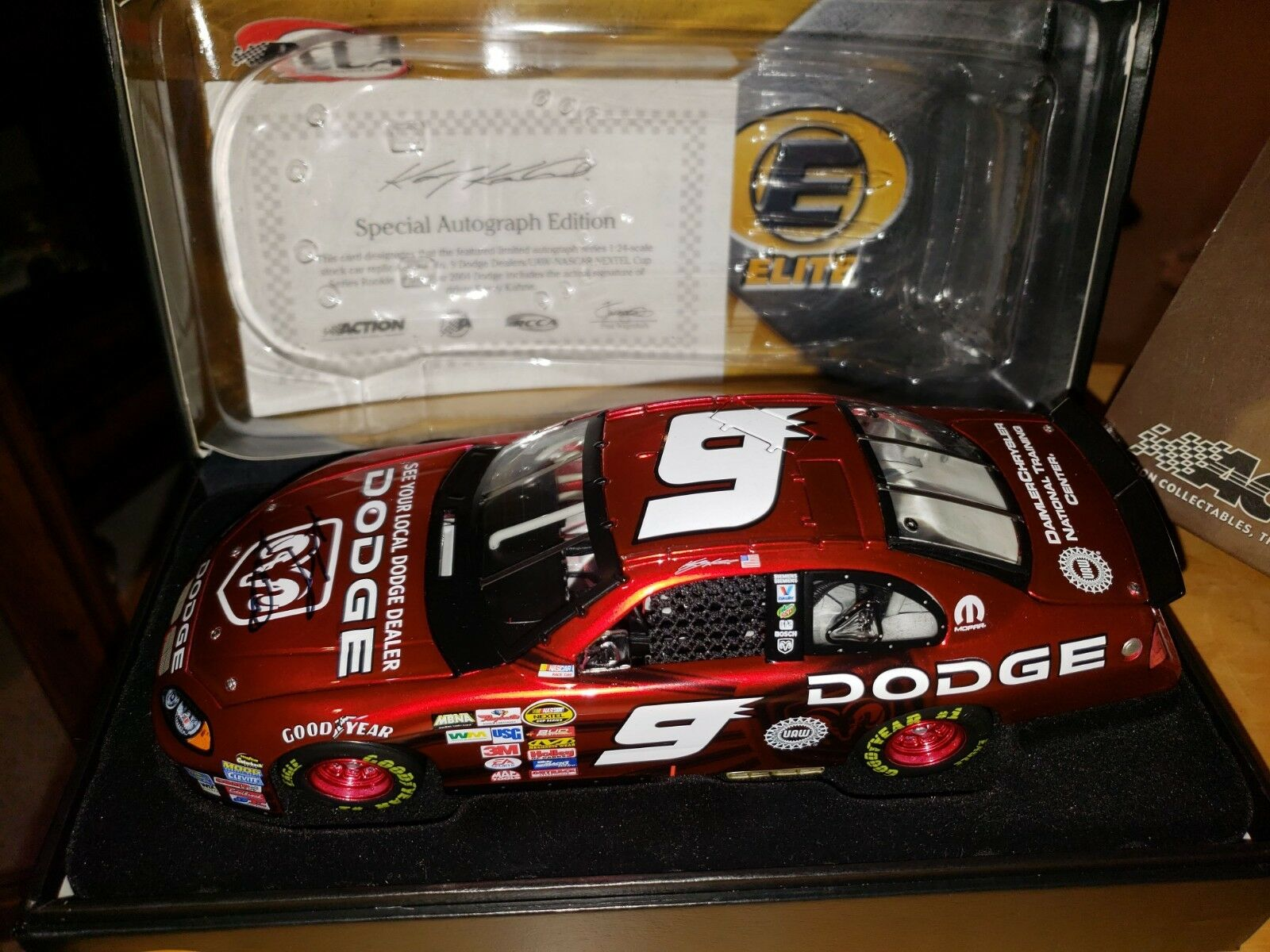 Kasey Kahne 9 2004 Cup Rookie of the Year Autographed 1 24 Dodge Intrepid Elite