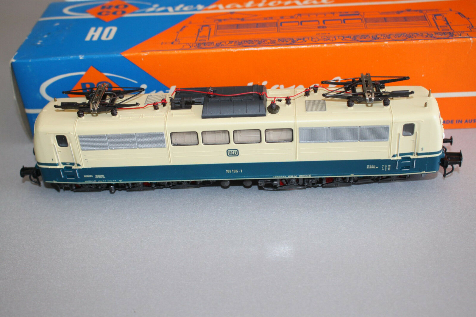 Roco 4132B Locomotora Eléctrica Serie 151 135-1 DB Ocean azul   Beige Spur H0