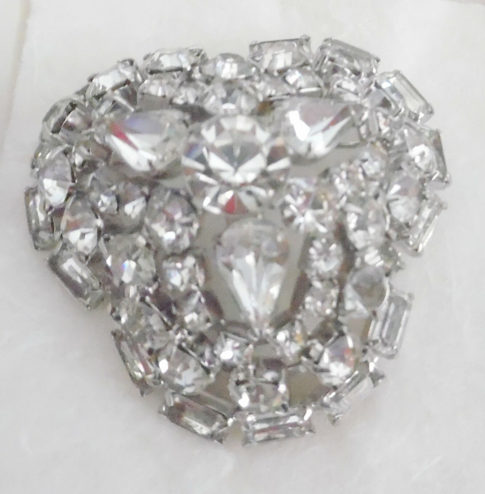 DECO LARGE BEAUTIFUL CRYSTAL BROOCH GOOD CONDITION