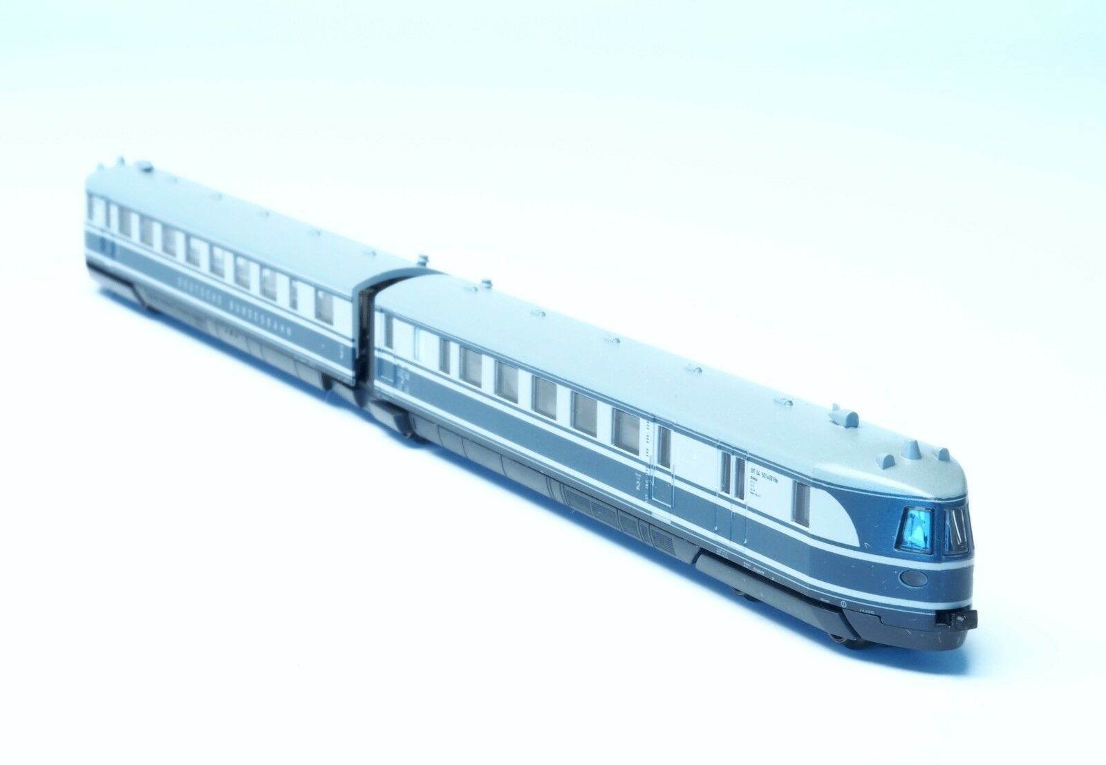 88870 Marklin  Z-scale Diesel Express Rail Car BR SVT 04 DB 5 pole motor INSIDER