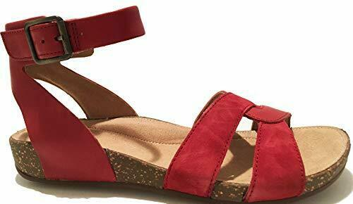 Choose SZ//color Clarks Women/'s Un Perri Loop Flat Sandal