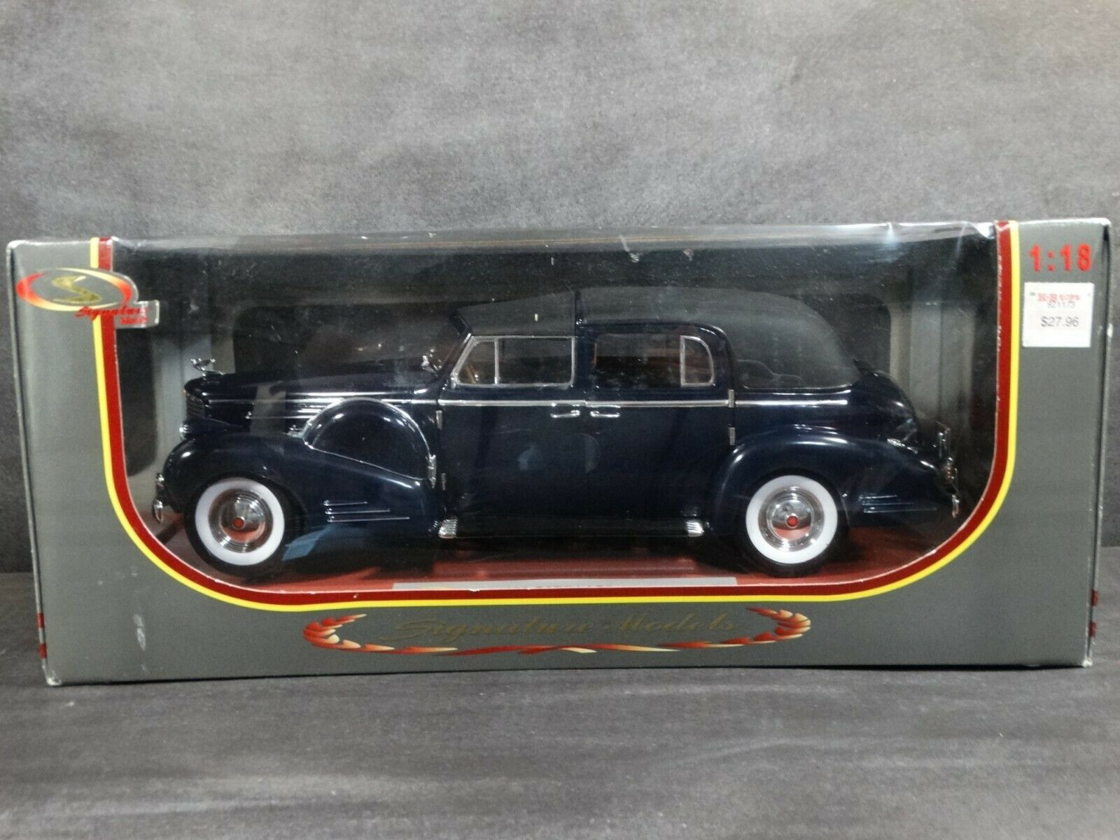 Signature Models 1938 Cadillac V-16 Fleetwood 1 18 Scale Diecast Model bluee Car
