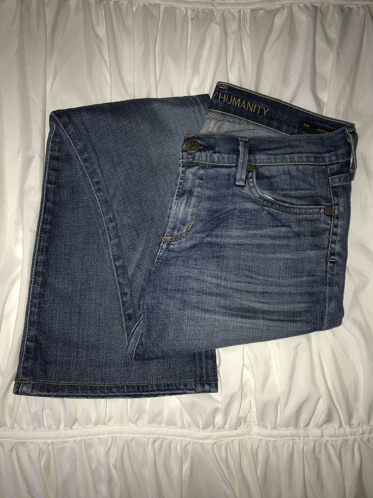 BRAND NEW   Citizens Of Humanity Jeans   Sale