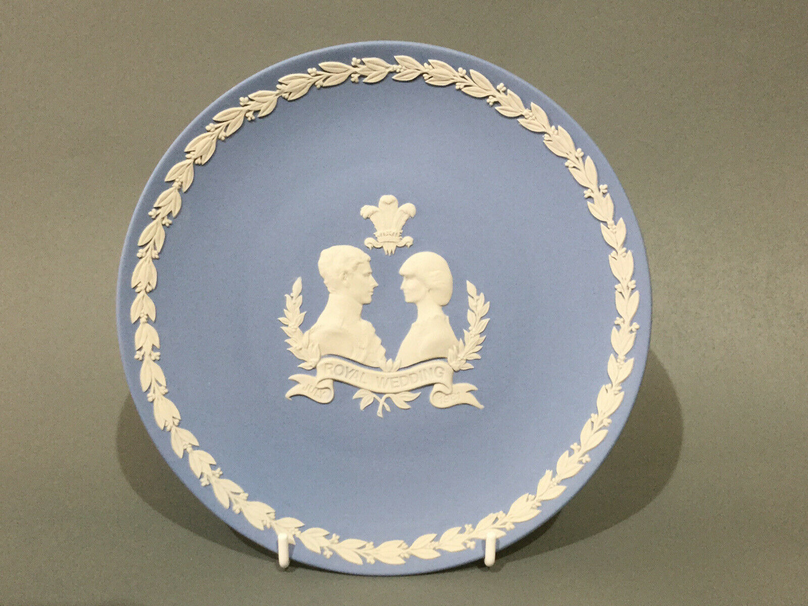 "Image 1 - Wedgwood Jasper Ware Collectors Plate "" Royal Wedding 1981 """