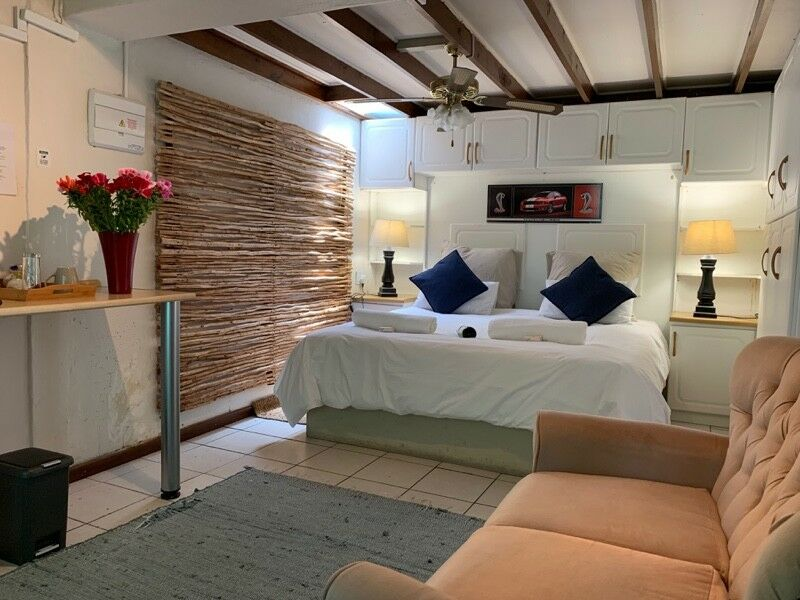The Lodge in Strand - accommodation, SPECIAL RATES !!