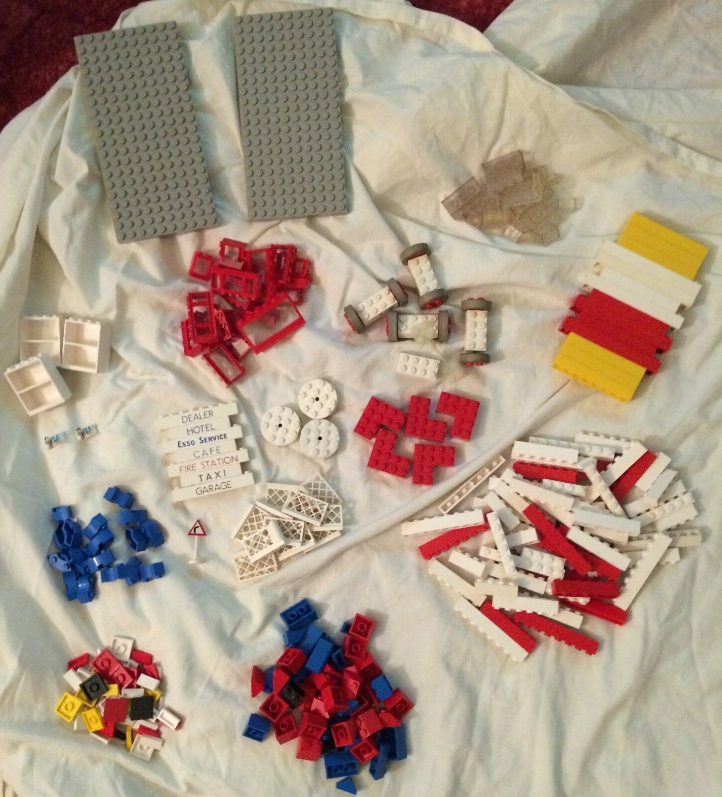 LEGO   over 700 pieces mostly 1960s (3 PHOTOS) L@@K