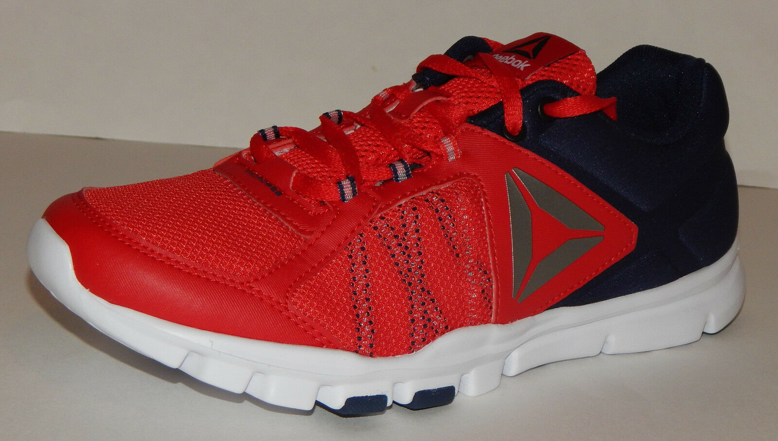 Reebok YOURFLEX Train 9.0 MT Men's shoes NEW BS7108 Red Navy White Size 8.5