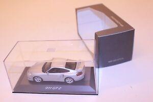 Minichamps-Porsche-911-GT2-Dealer-Edition-Artic-Silver-WAP-02007311