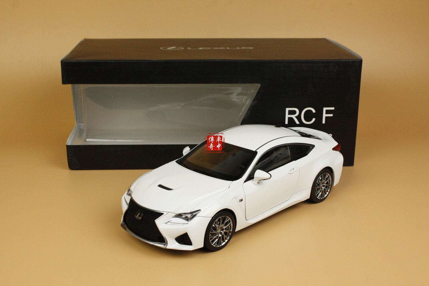 1 18 Lexus RCF RC F white color + gift