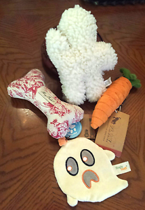 4 NEW Bark Box & Co Dog Toys  PLUSH CARred, GHOST, TOILE BONE, DOG LIFE  L-XL