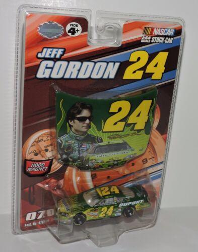 2007 JEFF GORDON #24 NICORETTE 1:64 W//MAGNET HOOD