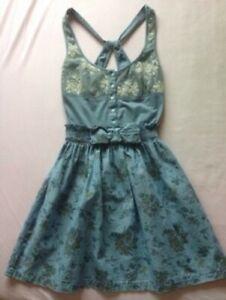 ZARA Kleid mit Rückenausschnitt und Spitze in hellblau XS ...