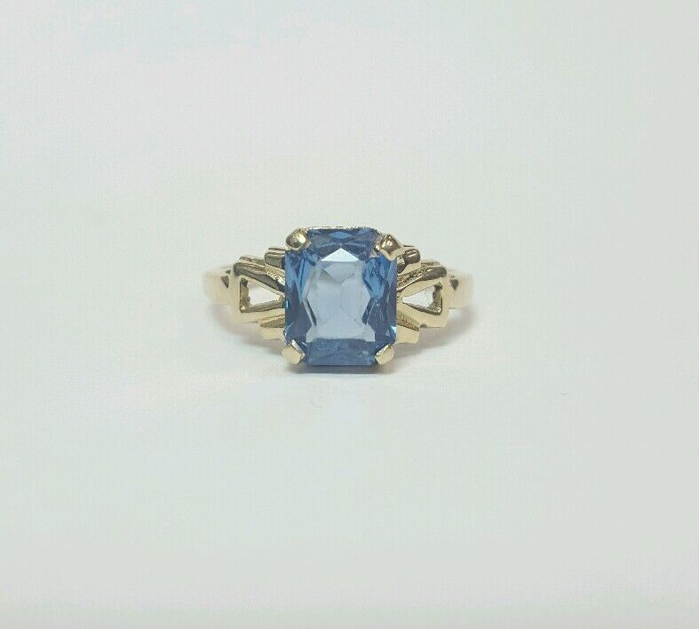 VINTAGE blueeeE STONE 14K YELLOW gold RING SIZE 5