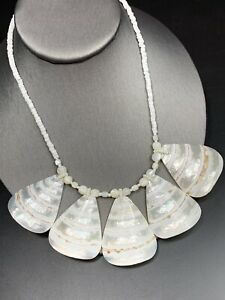 Magnificent-Mother-of-pearl-Charm-Shell-Bib-Statement-Necklace-Vintage-18