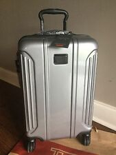 NEW TUMI VAPOR INTERNATIONAL 4 Wheeled CARRY-ON Luggage 28660 Silver