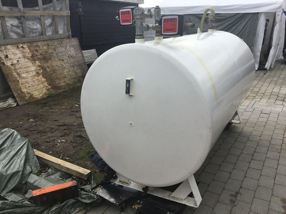 Olietank , Roug 2500 liter