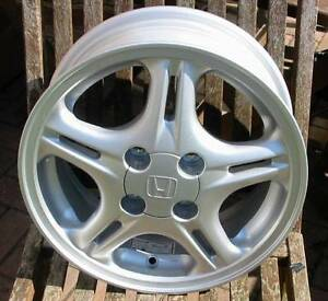Honda-14-034-5-Spoke-Alloy-Wheel-May-Fit-Civic-Accord-Jazz-etc-Brand-New