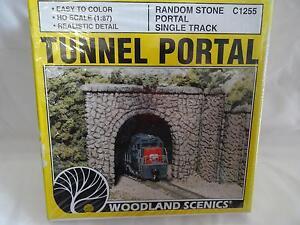 Woodland-Scenics-C1255-Tunnel-Portal-Random-Stone-HO-Gauge