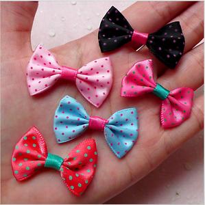 Cheveux Accessoire 50pcs Mini Tissu Ruban Noeud Papillon//Tiny Satin Bows 35 mm MIX