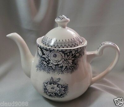 ROBERT GORDON  FINE STONEWARE COCO DESIGN TEAPOT  1L  402538 SMALL CHIP ON SPOUT