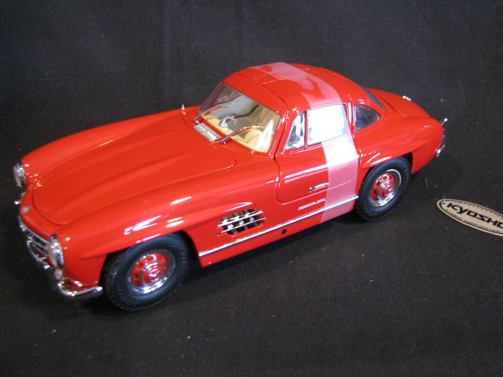 Kyosho Mercedes-Benz 300 SL Coupé Gullwing 1 18 rosso (JS)