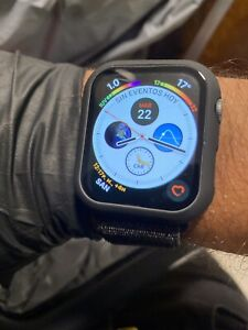 Apple-Watch-Series-4-44-mm-Space-Gray-Aluminum-Case-with-Black-Sport-Loop-GPS