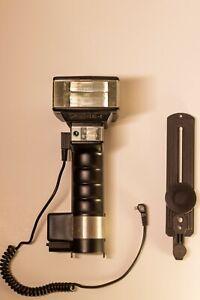 Metz handle mount 45 CL-4 digital Flash w/ Standard PC Sync Cord
