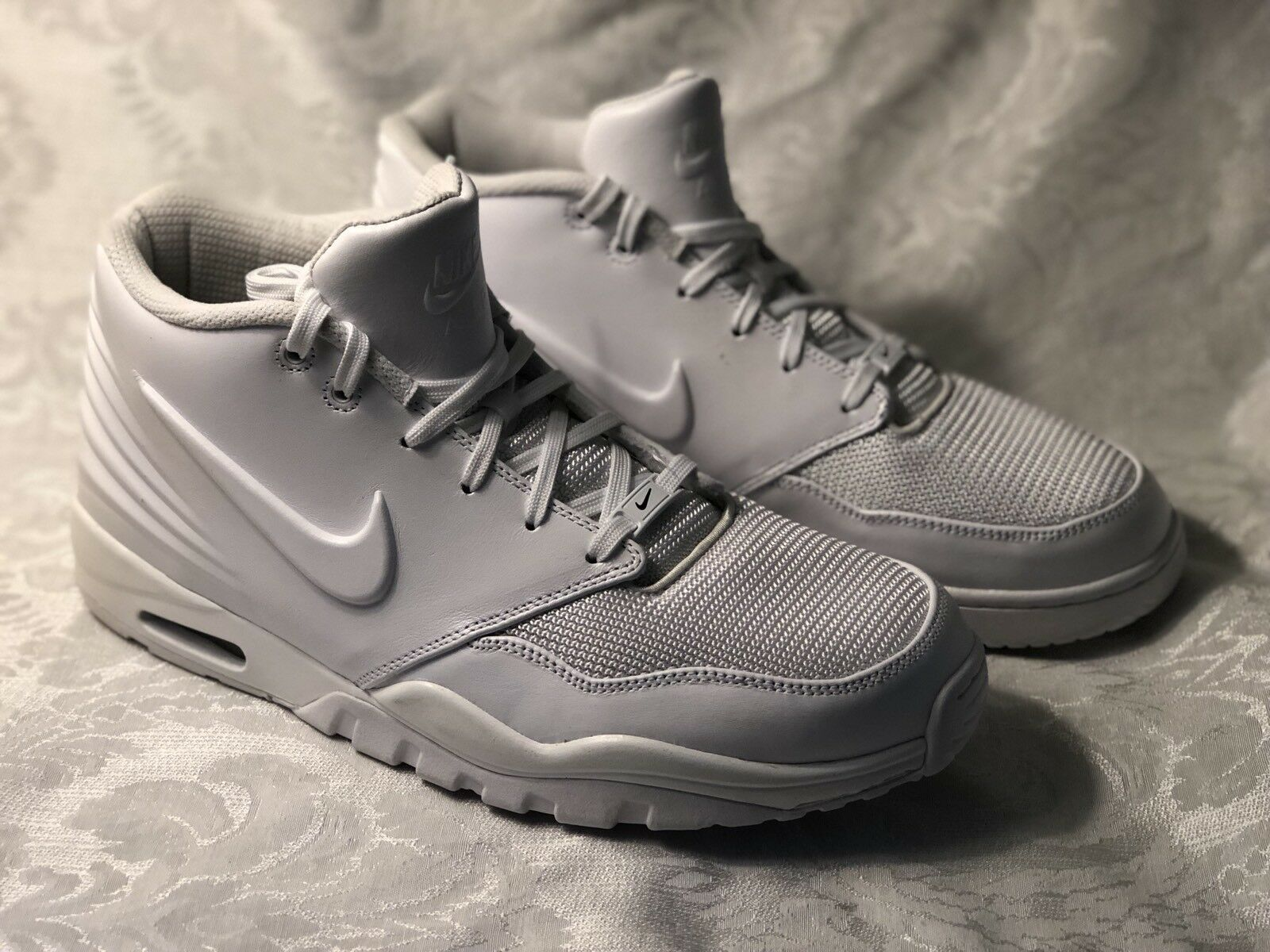 New Size 12 Nike Air Entertainer 819854-100 White - See Description