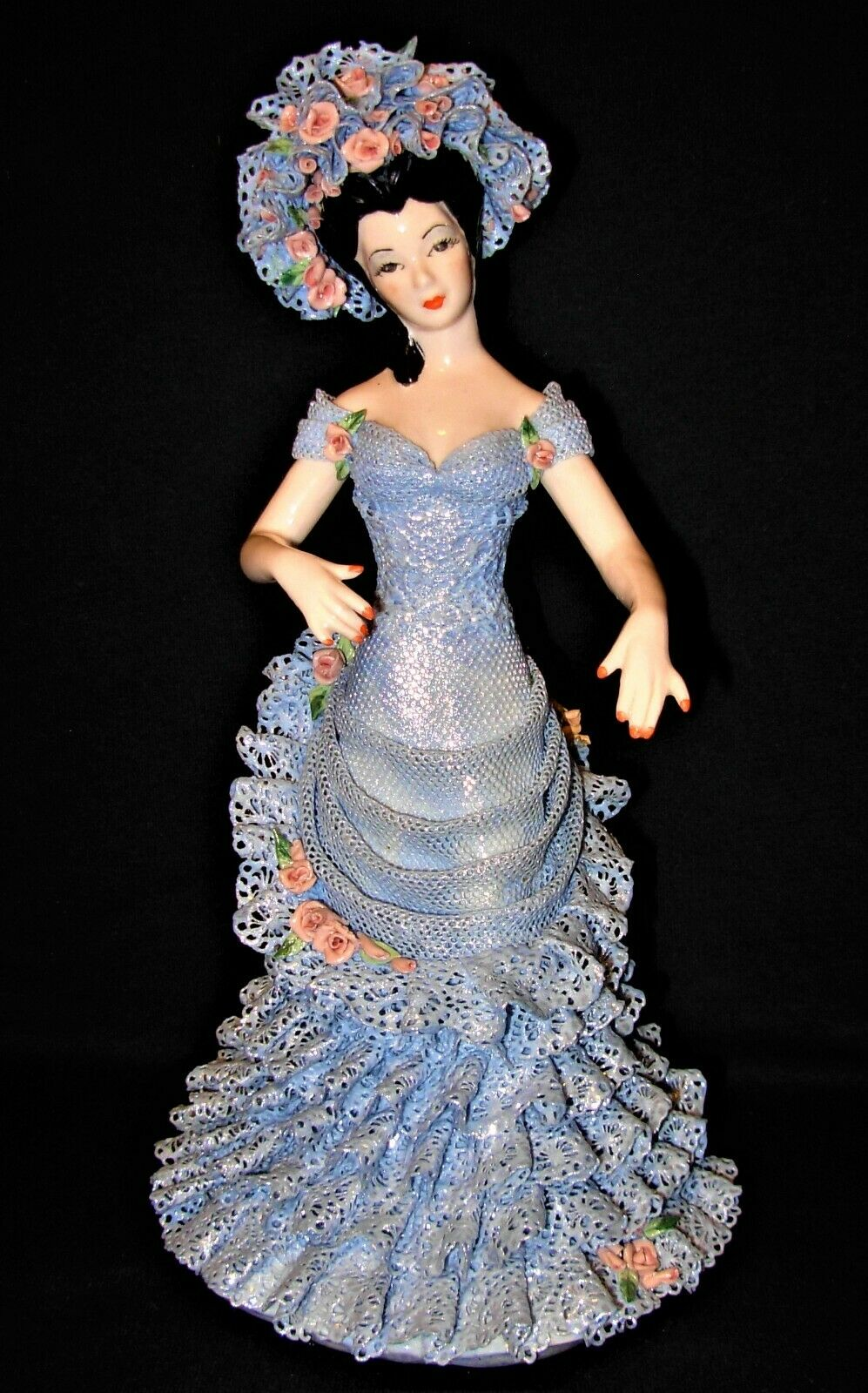 Victorian Porcelain Dresden Style Victorian  donna  Sophie   by Jamar-Mtuttiory  offrendo il 100%