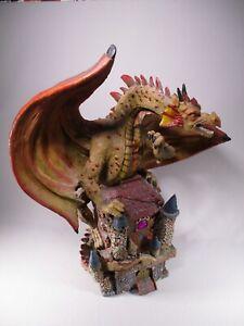 Dv8800 Legendya Dragon Rouge Geant Perche Sur Chateau Bon Etat